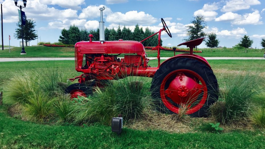 Light-Farms-Celina-tractor