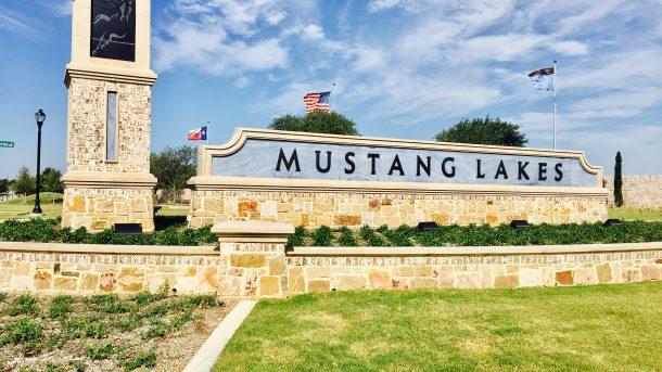 Mustang-Lakes-Community