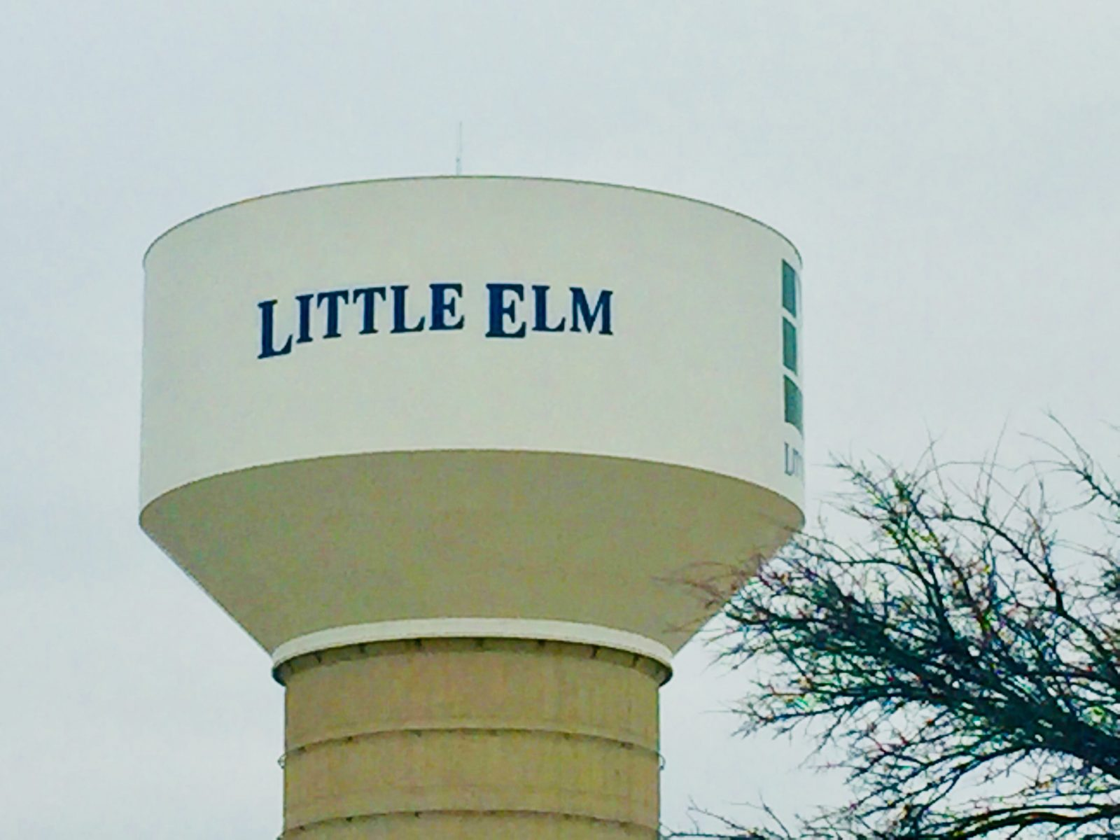 Little_Elm_water_tower