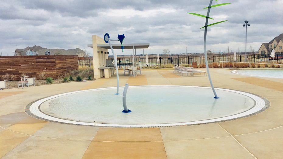 Hollyhock-splash-park