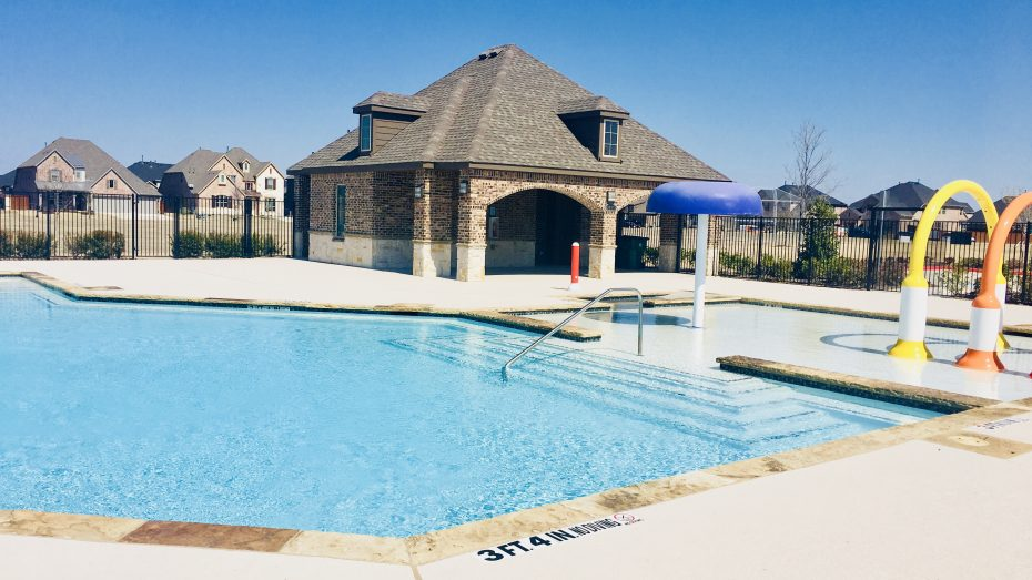 Parks_at_Legacy_Prosper_amenity_center_pool