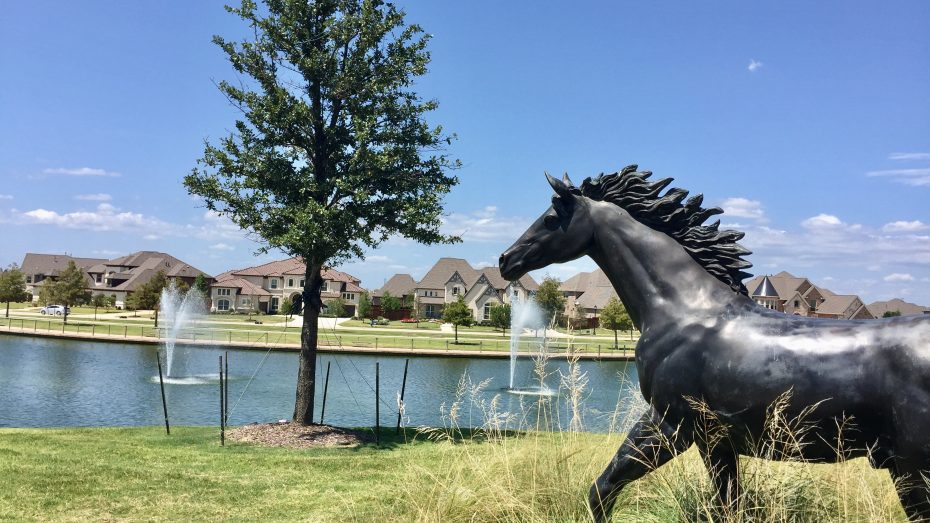 phillips-creek-ranch-frisco-pond-horses