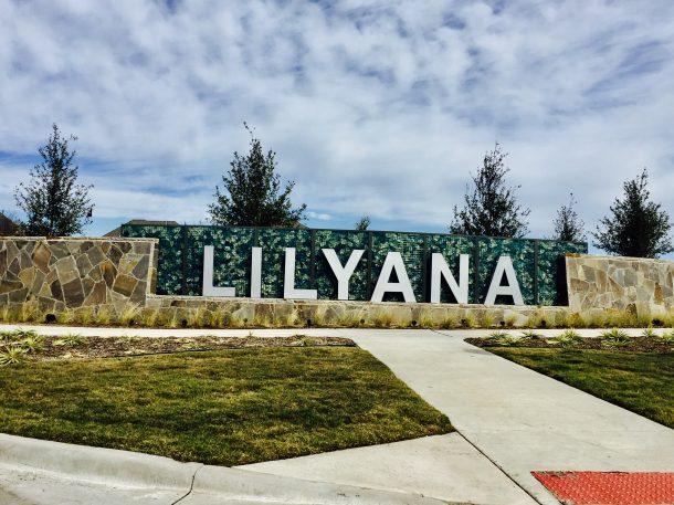 Lilyana_entrance