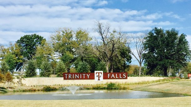 Trinity_Falls_entrance_2