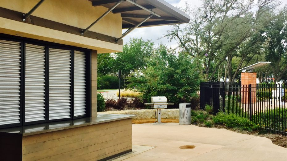 Wildridge-OakPoint-amenity-center-grill