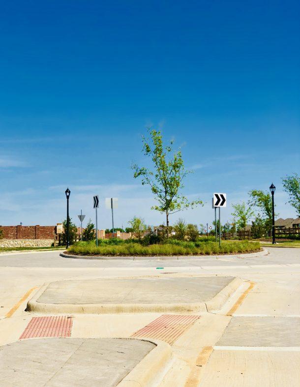 Erwin_Farms_McKinney_roundabout