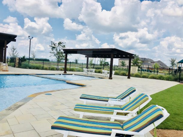 Arrowbrooke_Aubrey_amenity_center_pool_splash_pad