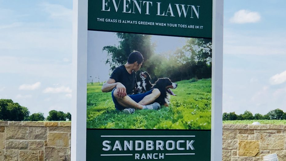 Sandbrock_Ranch_Aubrey_event_lawn_sign