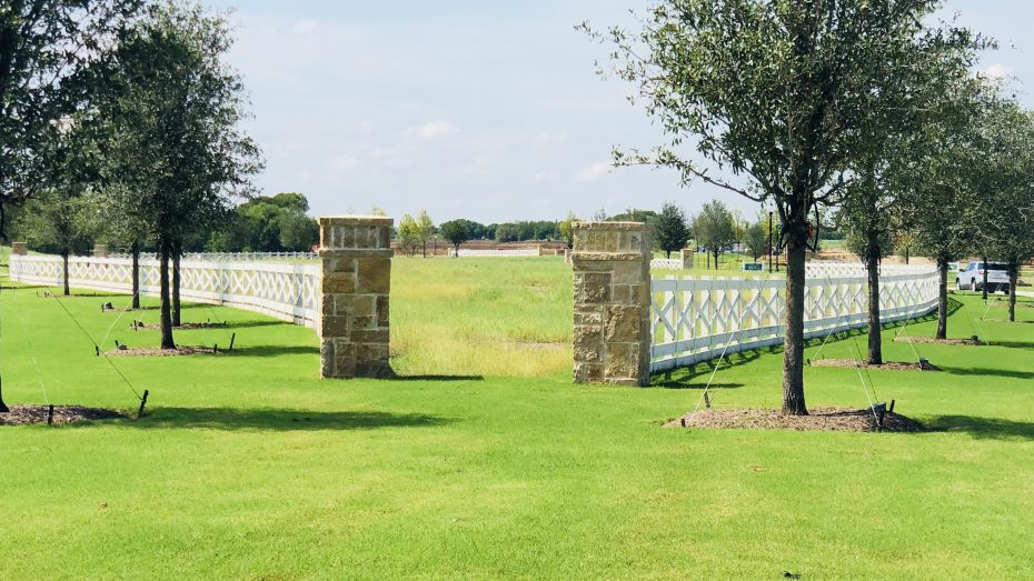 Sandbrock_Ranch_Aubrey_white_fence