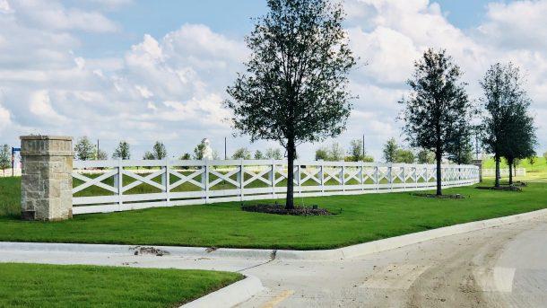 Sandbrock_Ranch_Aubrey_white_fence_2