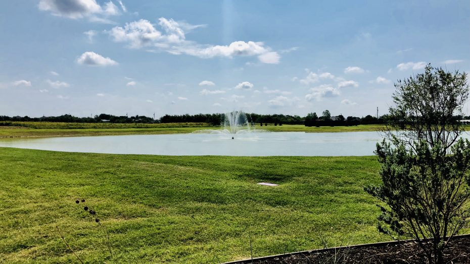Sutton_Fields_Celina_fountain_2