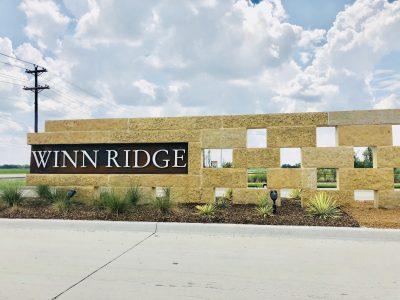 Winn_Ridge_Aubrey_entrance_sign
